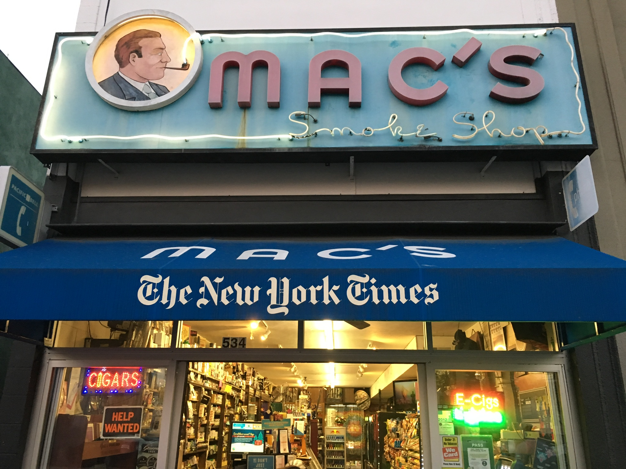 Mac's Smoke Shop